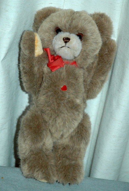 Austrian Hator Heart Bear Fully Jointed with  tag    PRICE REDUCTION!**