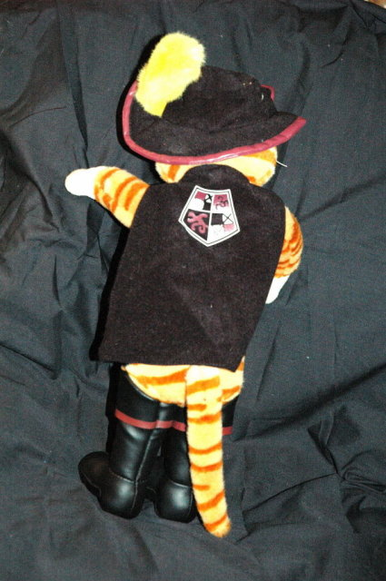 Puss in Boots from Shrek 2 DeamWorks L.L.C.  Plush  Figure Bendable