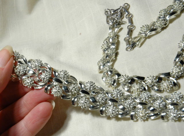 Coro Silver Bracelet & Necklace Set Teasel buds