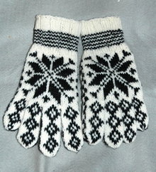 Exceptionaly  Nice  Scandinavian   Wool Knit Star Pattern Gloves