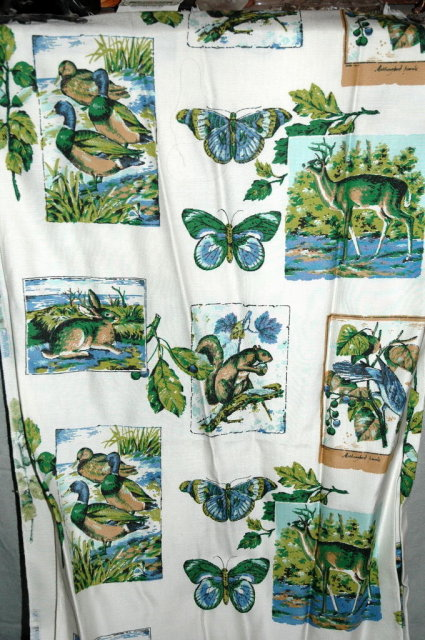 17 yds Vintage Wildlife Print Drapery Fabric  PRICE REDUCTION *