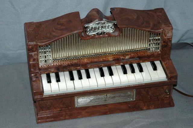 Vintage Emenee Toy  Electic Pipe Organ