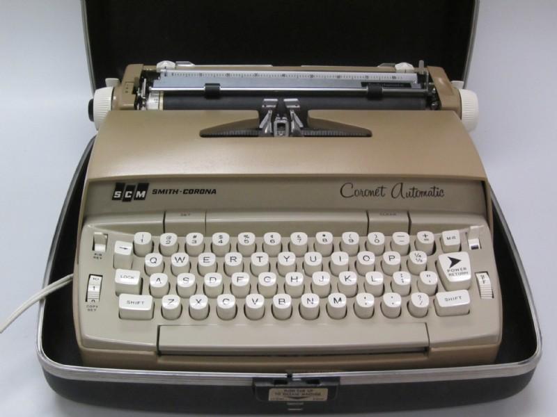Vintage Smith-Corona Coronet Automatic Electric Typewriter