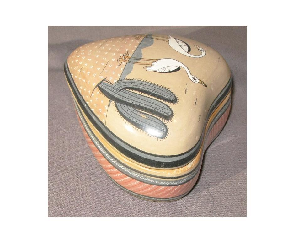 Jimon Mexico Bruñido  Pottery Heart Trinket Box with egrets,  RARE