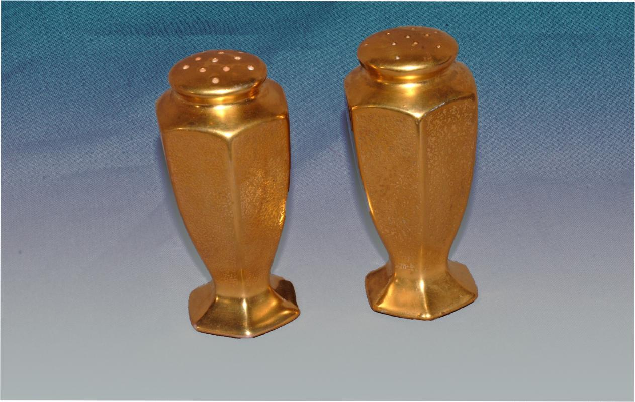 Pickard Gold Gilded Hexagonal  Salt & Pepper Shakers  Pebbled Pattern