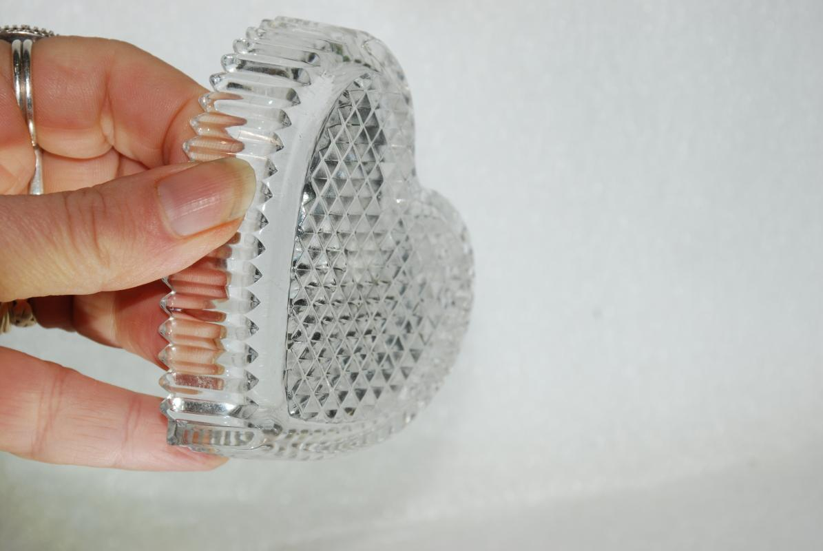 Crystal Heart Dish Hoya Cooperation, Made in Japan,  Nut, Mint or Trinket Dish