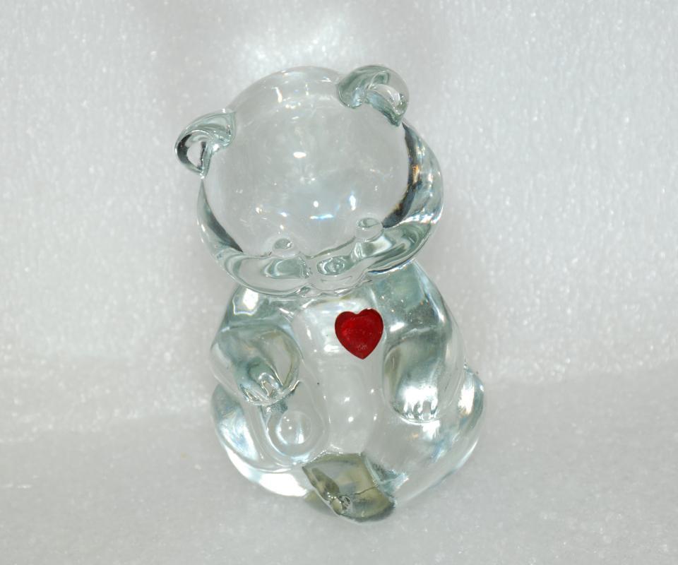 FENTON ART GLASS CRYSTAL BIRTHDAY BEAR JANUARY RED HEART GARNET