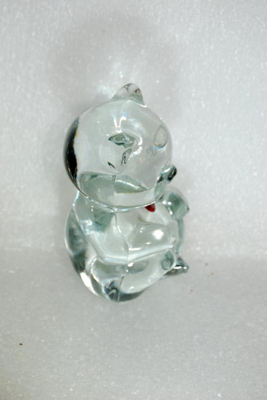FENTON ART GLASS CRYSTAL BIRTHDAY BEAR JANUARY RED HEART GARNET