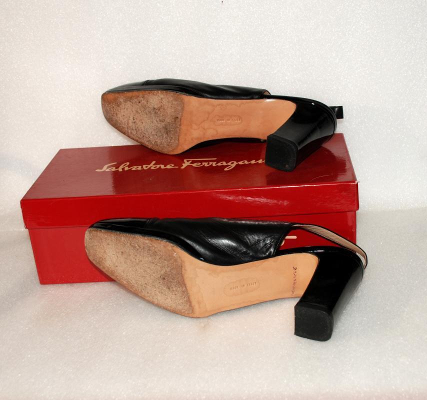 Vintage Salvatore Ferragamo Patent  Leather Sling Back Pumps  Galizia  Florence Italy  size 8B