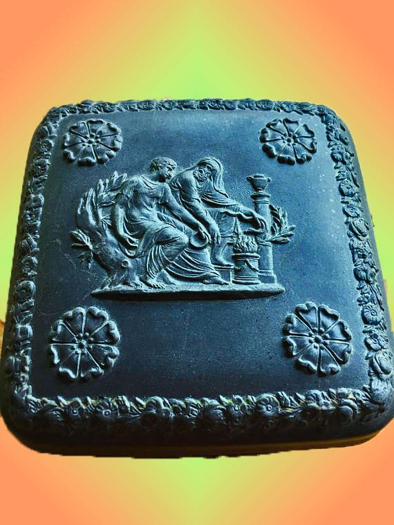 RARE WEDGWOOD BLACK BASALT JASPERWARE SQUARE LIDDED BOX