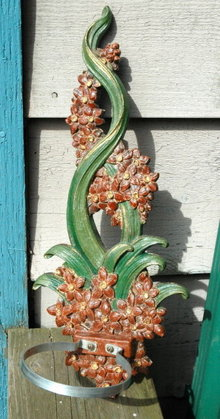 Syroco  Wood Wall Plaque Plant Holder.