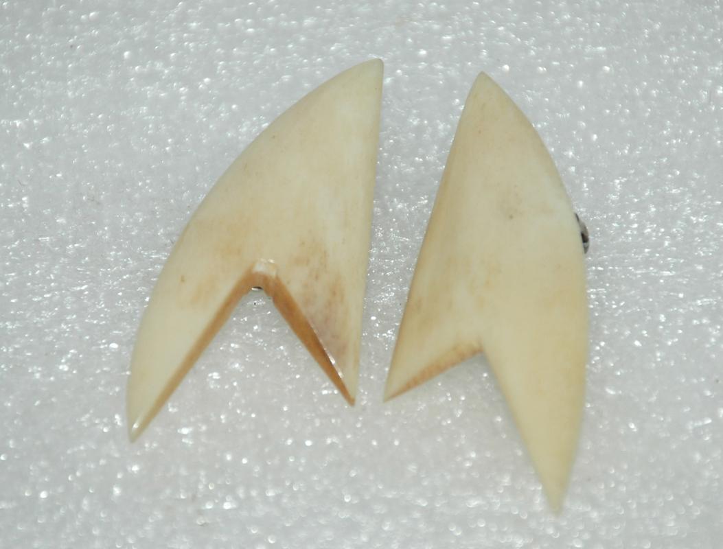 Modernist Clip On Earrings of Bone Ivory