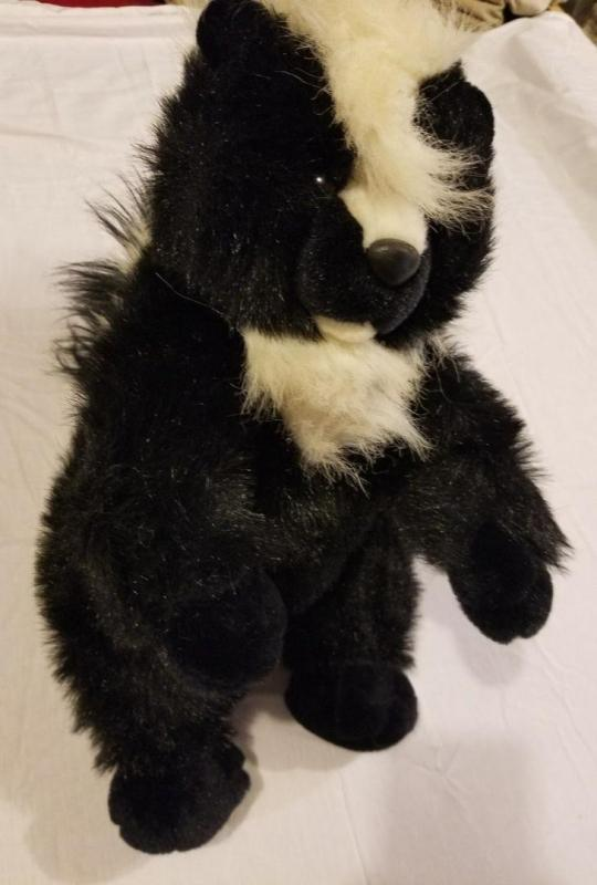 RARE VINTAGE PLUSH CREATIONS INC STUFFED ANIMAL SKUNK 19
