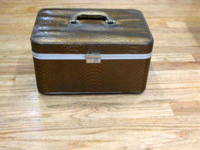 Cosmetic Train Case faux crocodile vinyl and lift out caddie