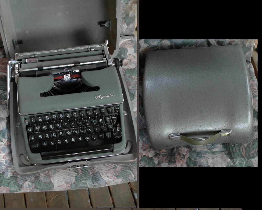 Olympia Typewriter DeLuxe SM3 Green  In Silver Retro Industrial Era Case