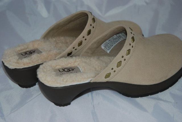 Ugg Clogs 7.5 New Condition Shearling Lined Brass Details