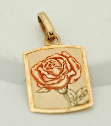 14K Gold enamel rose pendant  1.6 Grams