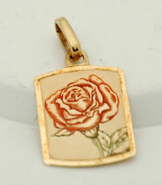 14K Gold enamel rose pendant  1.6 Grams