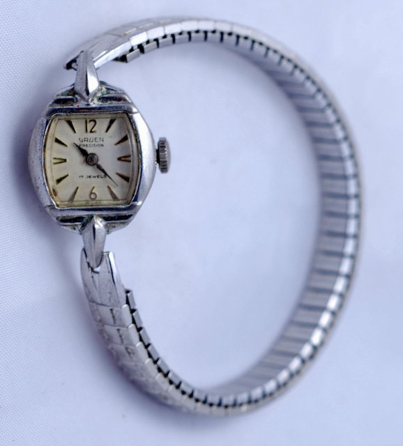 Vintage Ladies Guen Precision 17 jewel watch