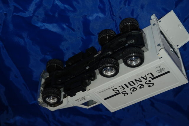 See's Candy International Truck 1987  by Ertl Pressed Steel 10