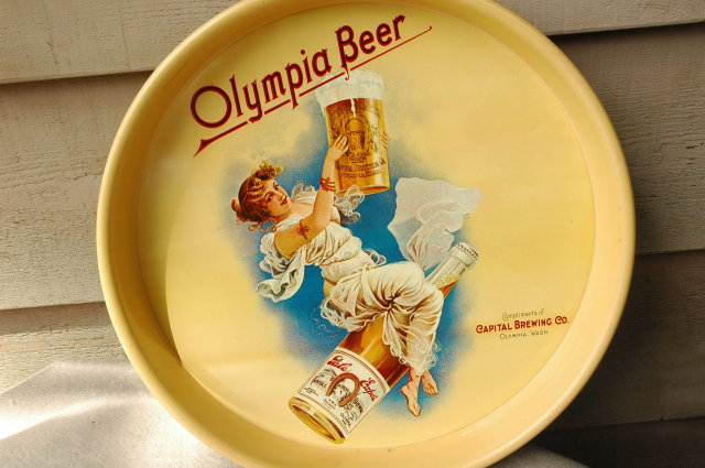 1970's  OLYMPIA BEER TRAY  EXCELLENT CONDITION !