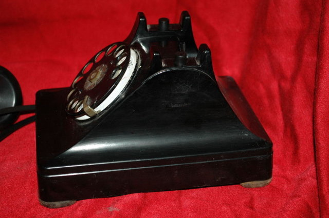 Dial Phone  Western Electric 302 - Thermoplastic made for Bell Telephone company
