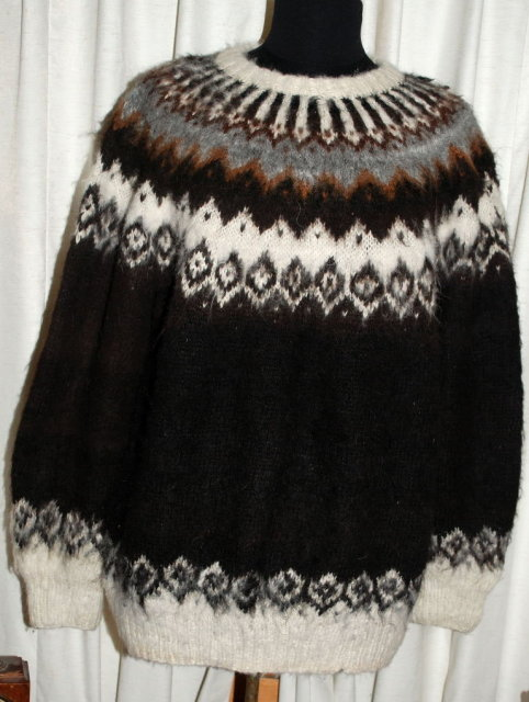 100% Alpaca Hand Knit Sweater  Large Size