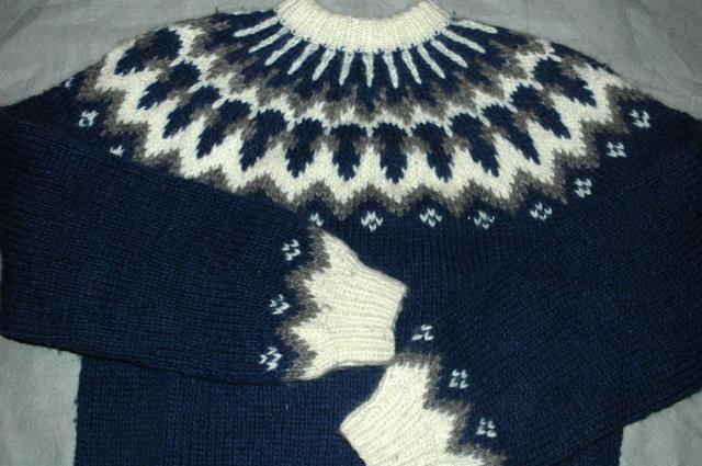 Icelandic Wool Ski Sweater, Hand Knit Blue and White Gray  LARGE
