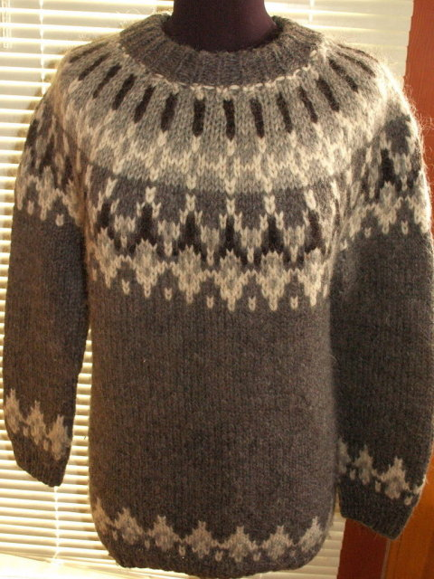 Icelandic Wool Sweater by Samband of Iceland Icelook  size Small