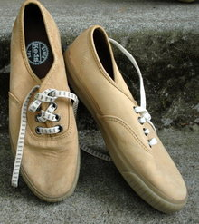 Vintage Sneakers  Tan Suede Keds Woman's Size 9 * PRICE REDUCED !*