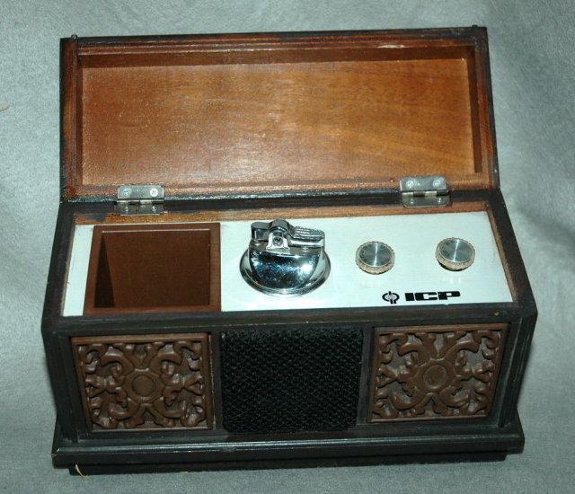 Cigarette Holder Transistor Radio  Hi Fi Console