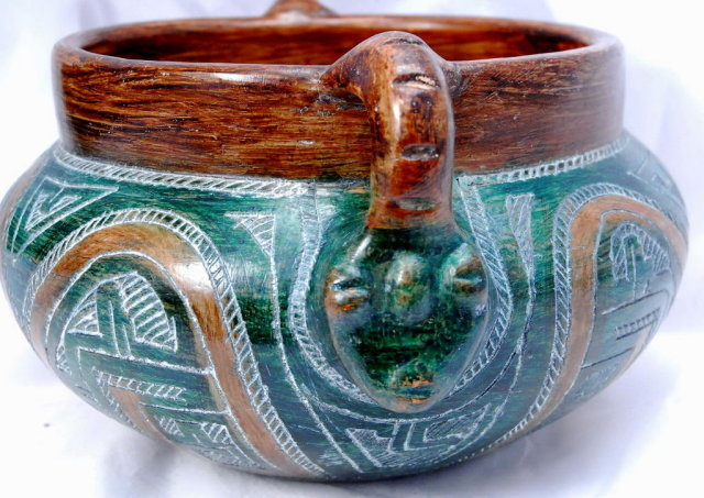 Native American Pottery jardiniere bowl, signed on the bottom Jesse Mendes,