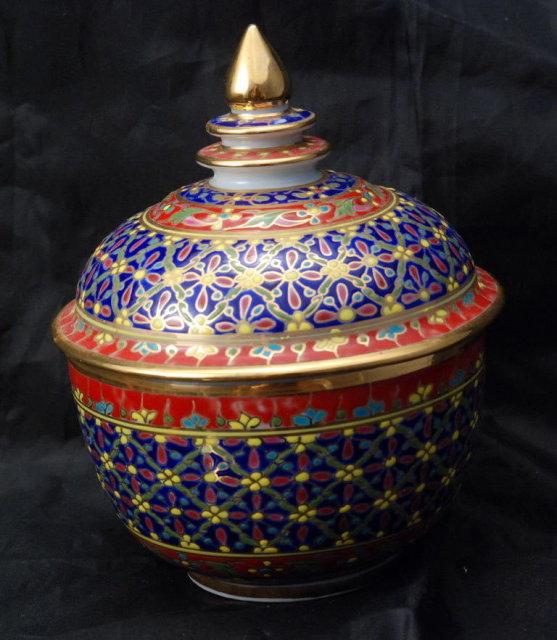 Bencharong Porcelain Jar 5