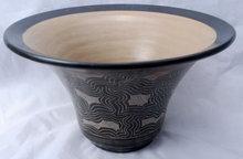 Sgraffito  Nicaraguan  Pottery Bowl, Signed    Freddi Lumbi