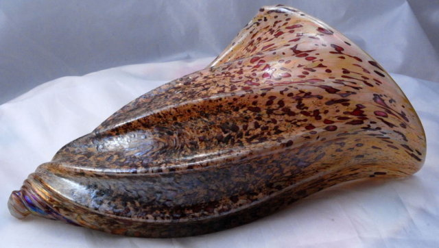 Iridescent  Luster Art Glass  Sea Shell * PRICED REDUCED! **