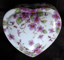 Lefton Porcelain  Musical Heart Tinket box