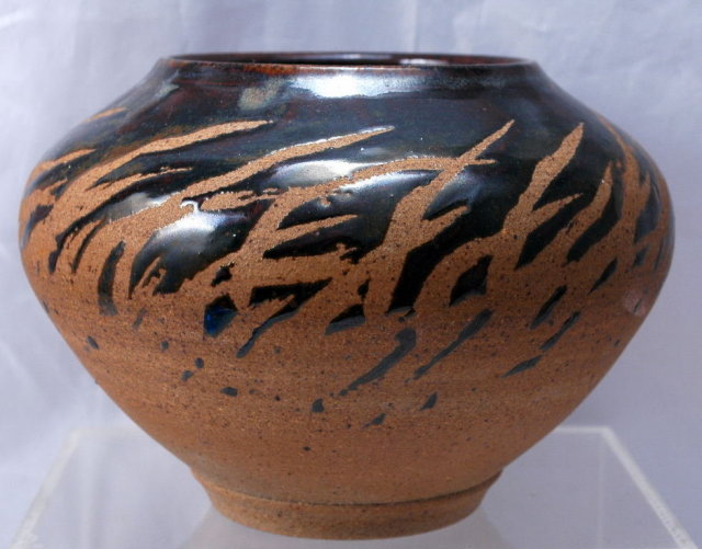 Jeff Hale   Pottery Stoneware Bowl with Splash Drip Glaze