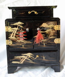 Vintage Japanese Black  Lacquer-ware Wood  Jewelry Chest  * PRICED REDUCED! **